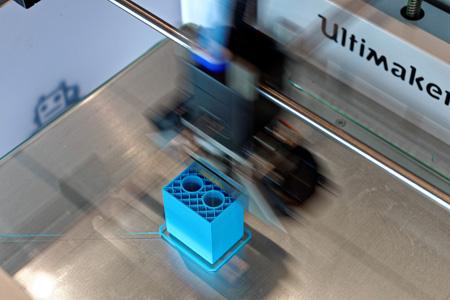 3D-Drucker bei der Prototyp-Erstellung