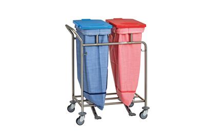 Wäschesammler mit eingespannten Wäschetransportsäcken